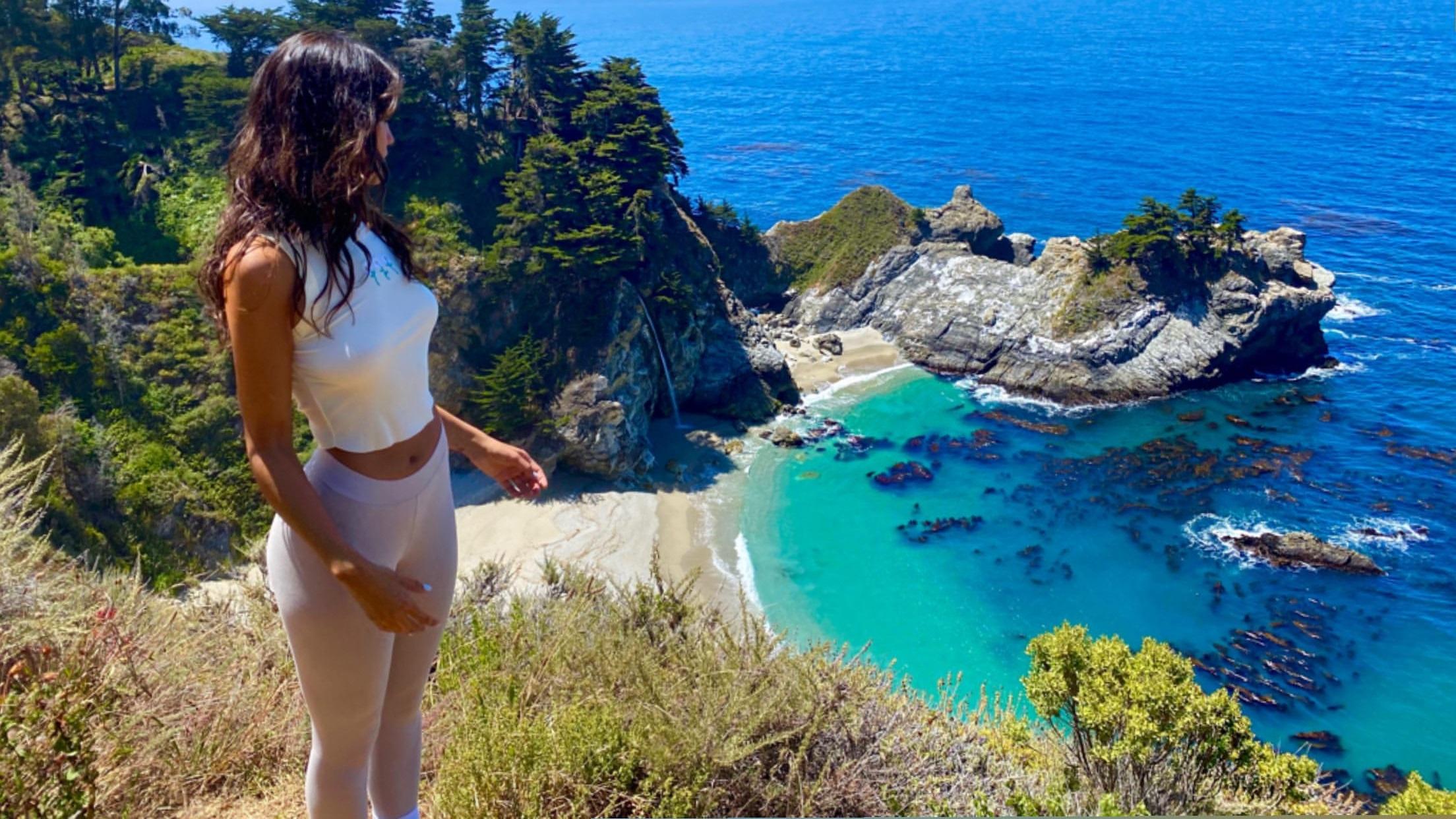 Eiza Gonzalez fait une randonnée! - Photo 4