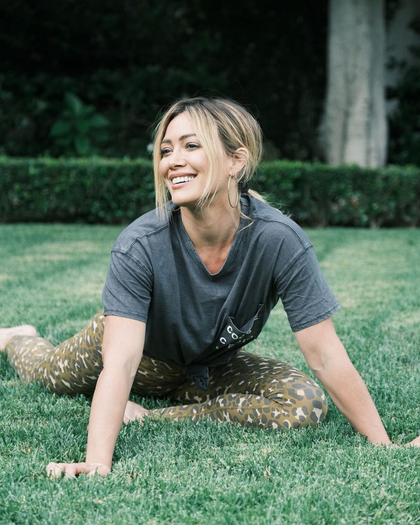 Hilary Duff Does a Mom Stretch!