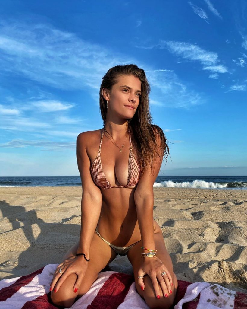 Nina Agdal at the Beach!