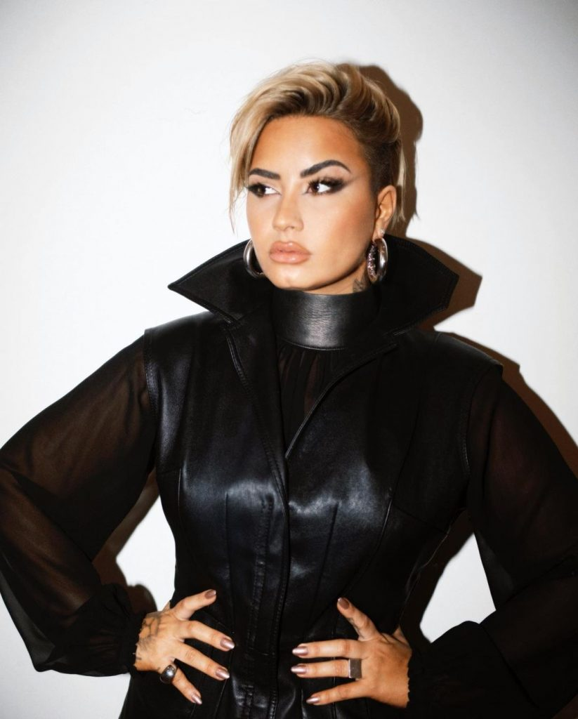 Demi Lovato Cut it Off!