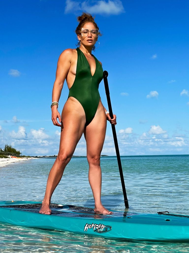 Jennifer Lopez Keeps Her Balance!