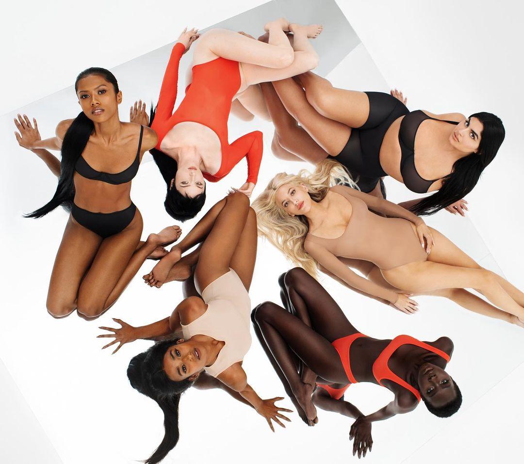 PHOTOS Kim Kardashian fait ressortir les filles!