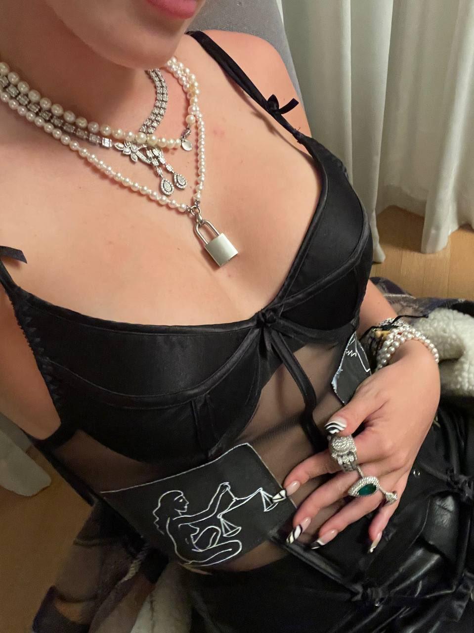 Bella Thorne se gâte pour la Saint-Valentin! - Photo 3