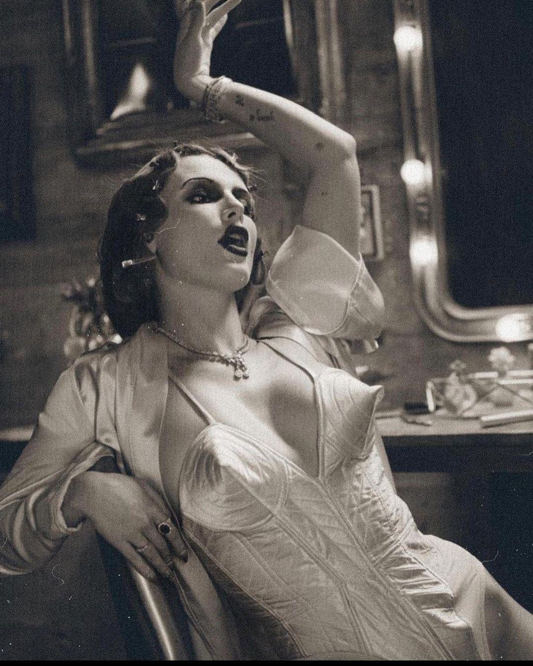 Bella Thorne devient blonde! - Photo 8