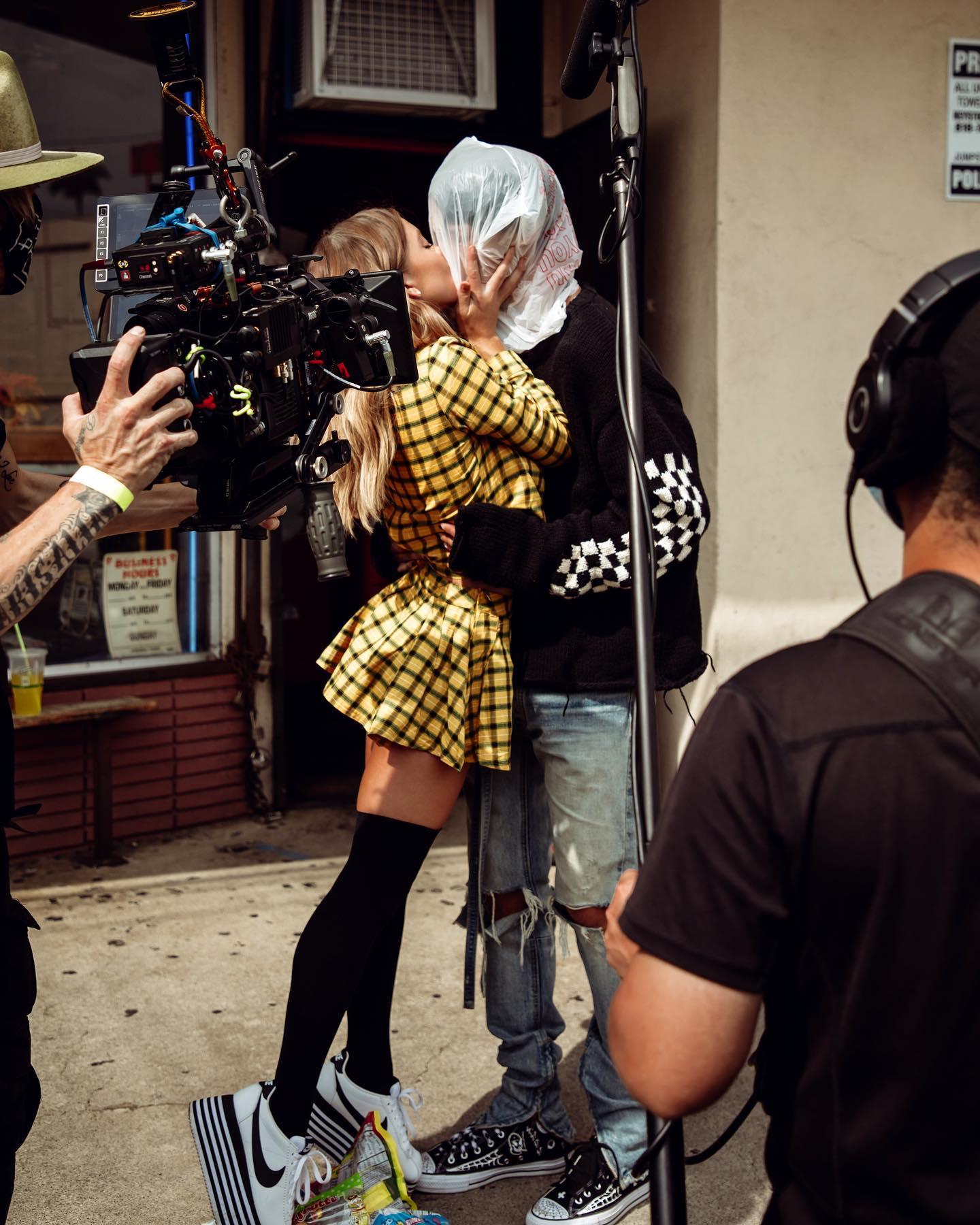 PHOTOS Sydney Sweeney étoiles dans un film de Kelly Mitrailleuse!