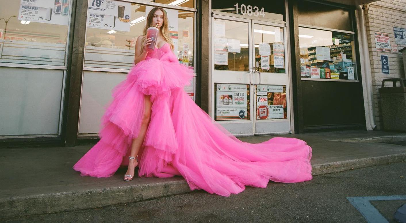 Sydney Sweeney's Corner Store Glam!.jpg
