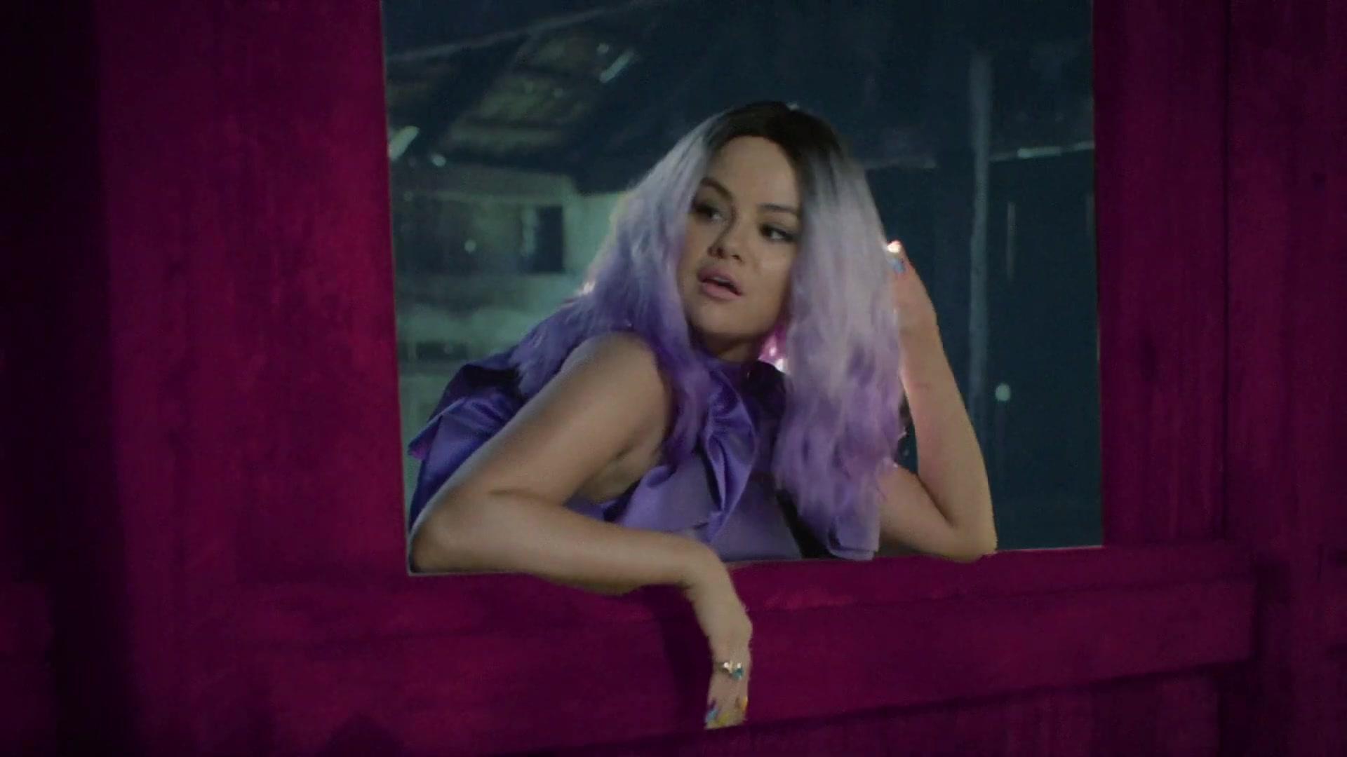 Selena Gomez partage un tutoriel de maquillage tard dans la nuit! - Photo 20