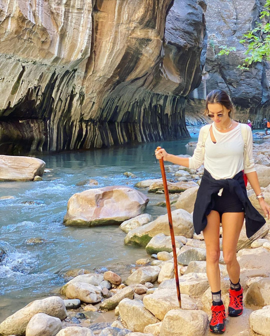 Alessandra Ambrosio Takes a Hike!