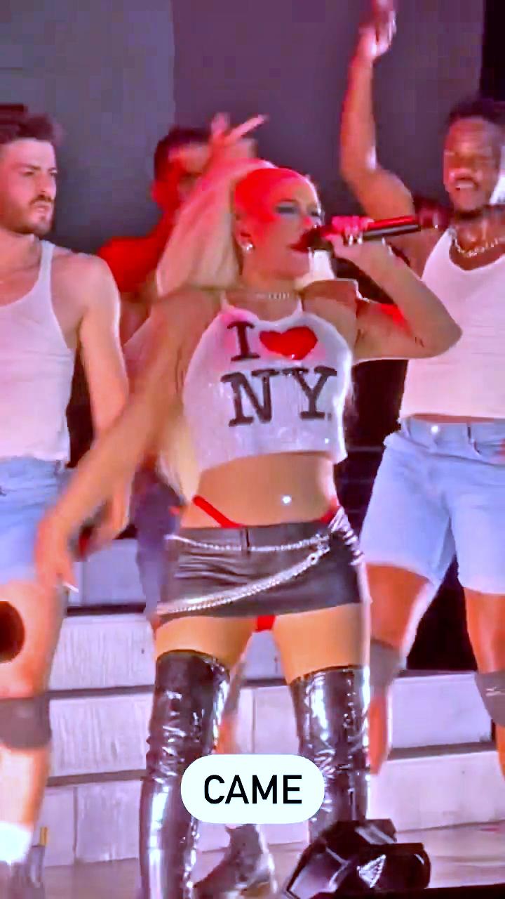 Christina Aguilera is Lady Liberty! - HD Photo