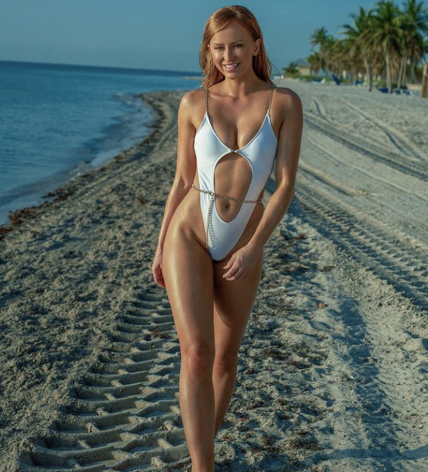 Danielle Moinet is Chasing Summer With Sandy Cheeks
