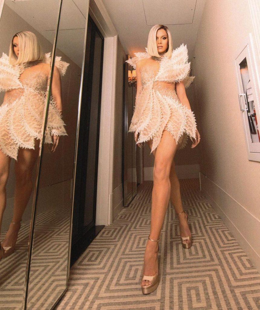 Hailee Steinfeld Rocks a New Look!