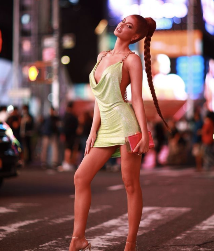 Sports Illustrated Swimsuit Model Haley Kalil Turned New York into Her Runway