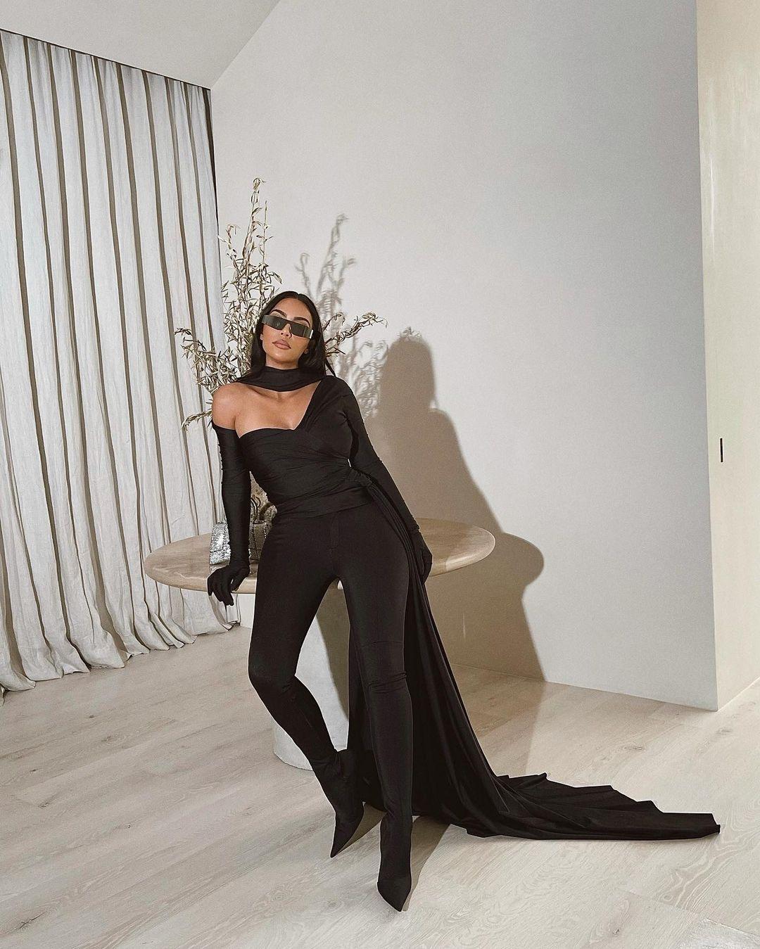 Kim Kardashian is In The Matrix! - Photo 1