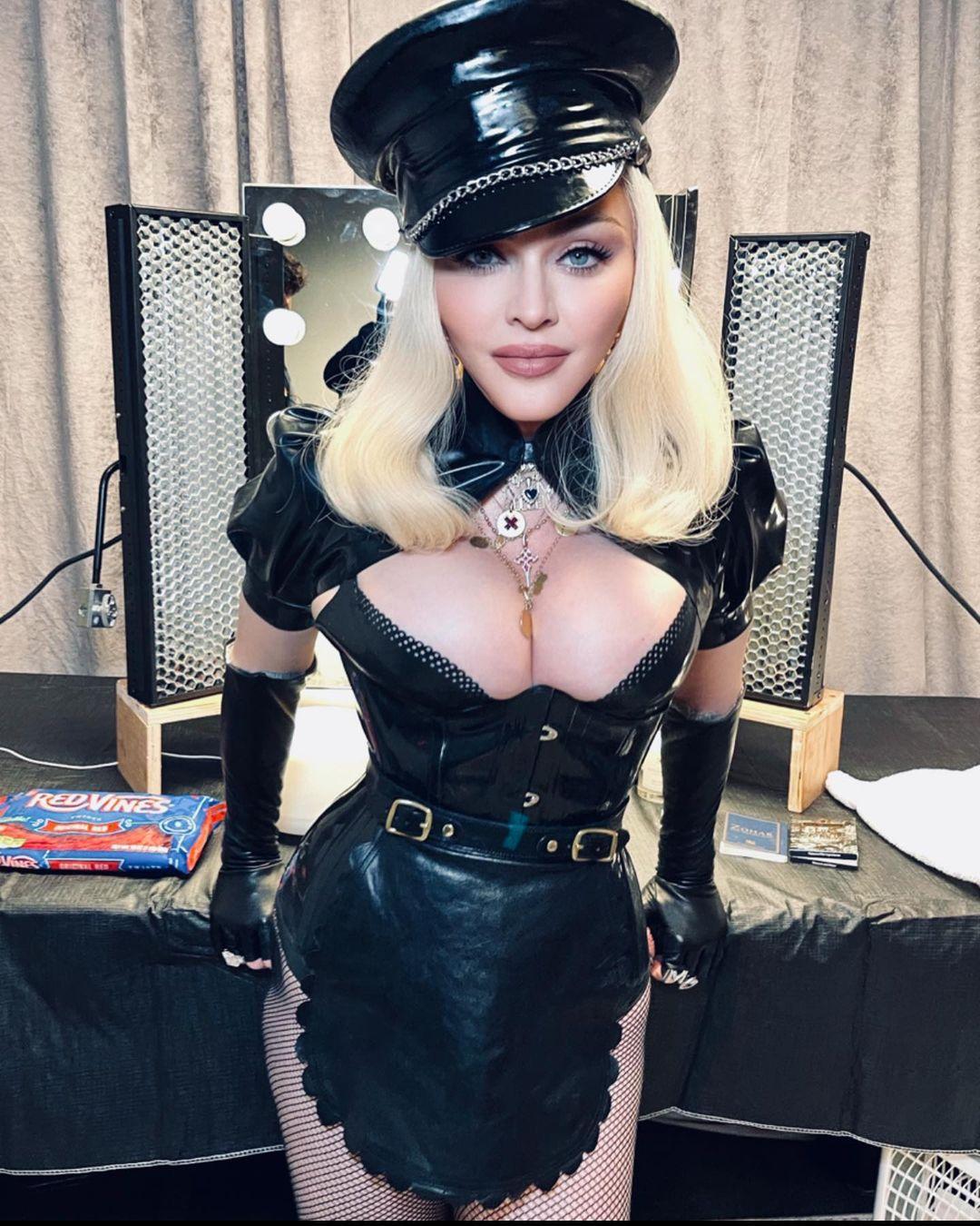 PHOTOS Madonna s?expose au VMA?s !