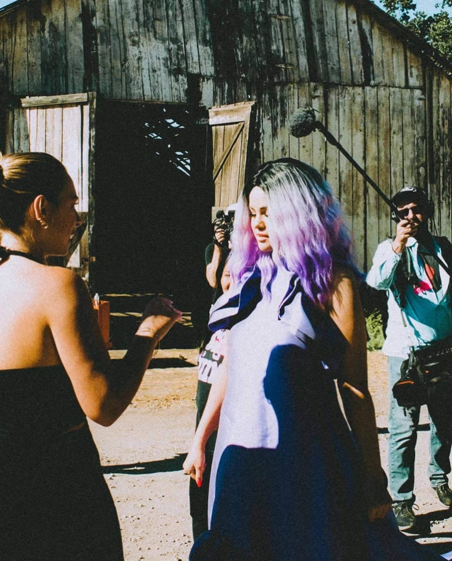 Selena Gomez partage un tutoriel de maquillage tard dans la nuit! - Photo 11