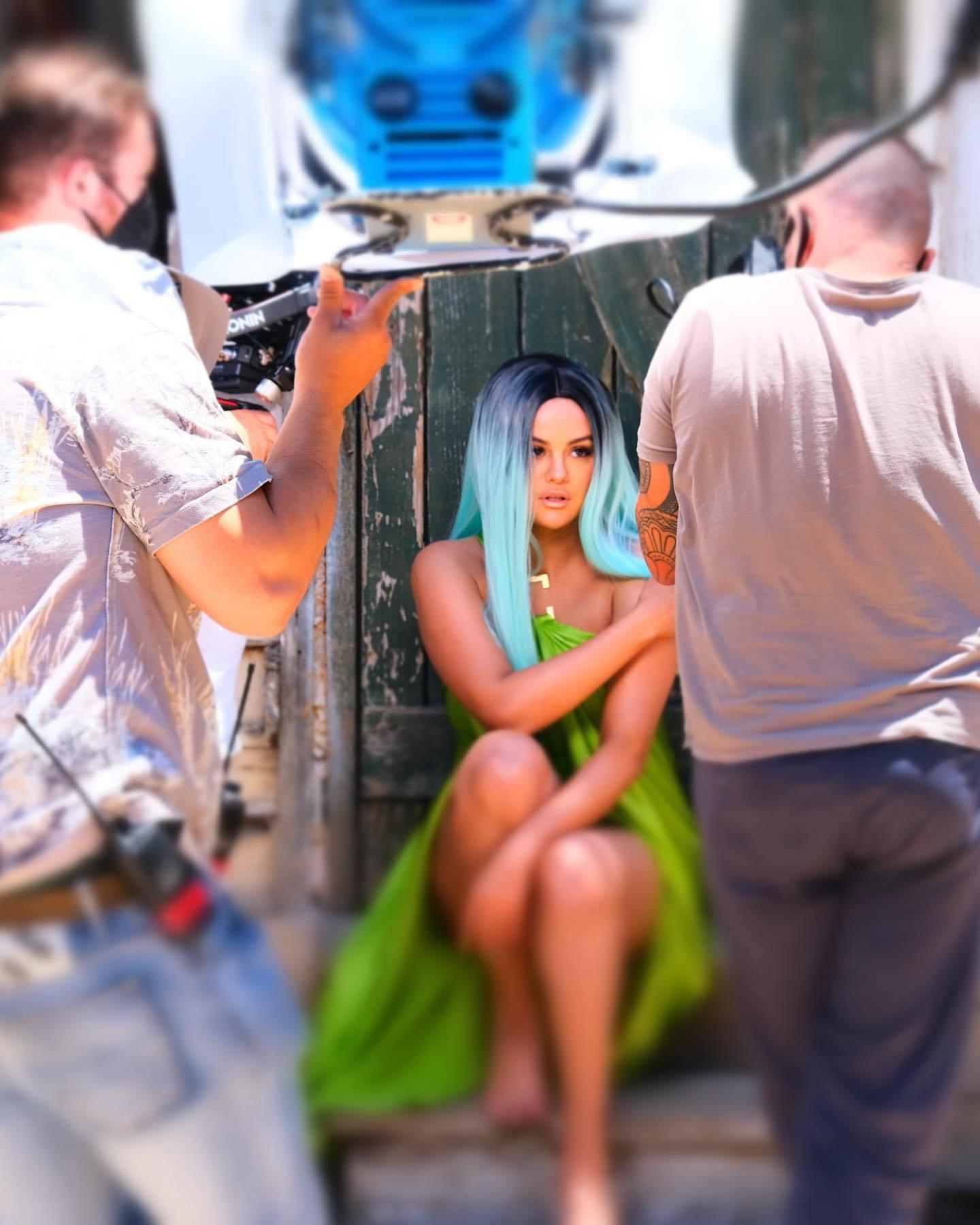 Selena Gomez partage un tutoriel de maquillage tard dans la nuit! - Photo 8