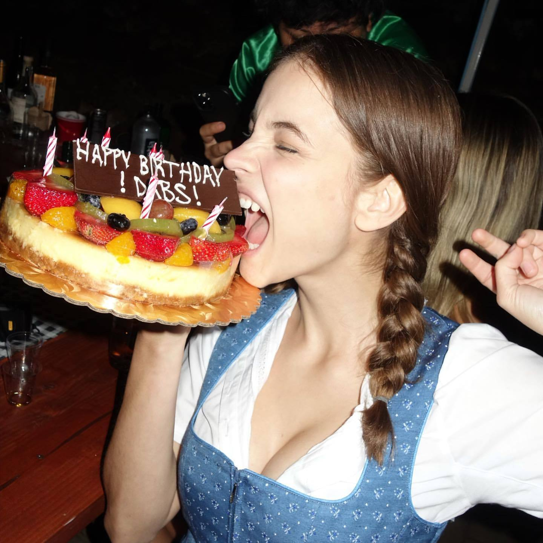 L?anniversaire de Barbara Palvin à l?Oktoberfest! - Photo 11