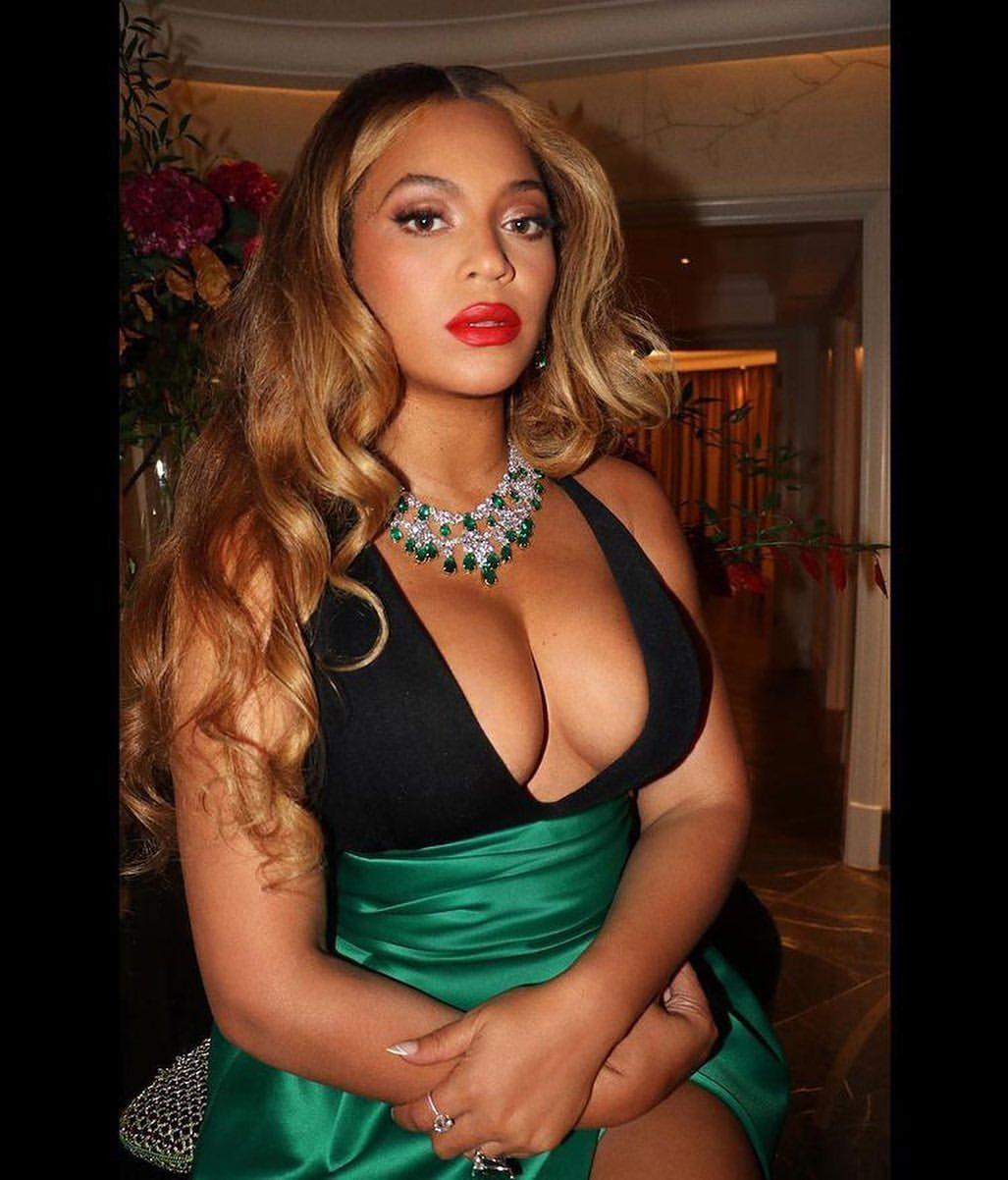 FOTOS ¡Beyoncé se pavonea de sus cosas!