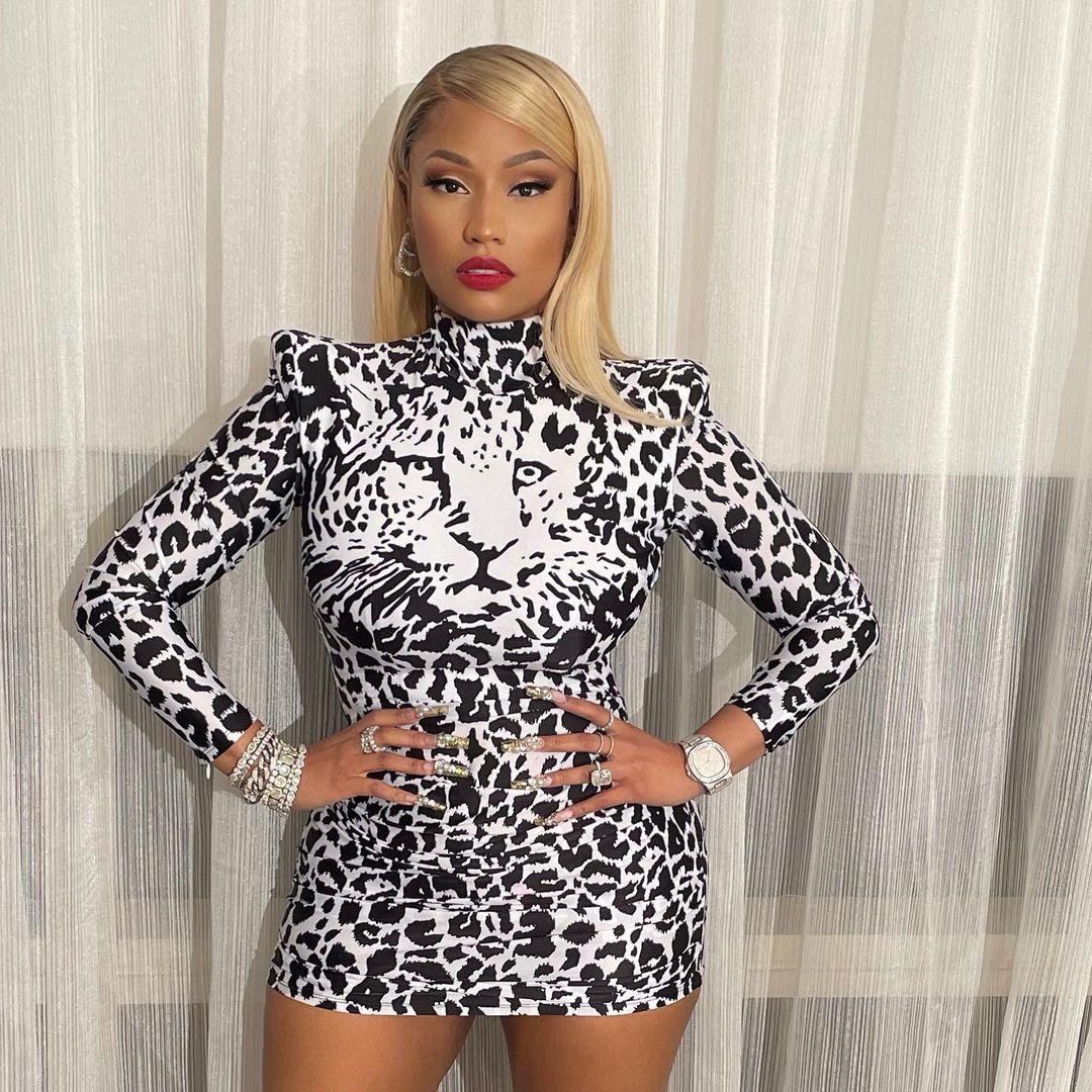 FOTOS ¡Nicki Minaj se pavonea de sus cosas!