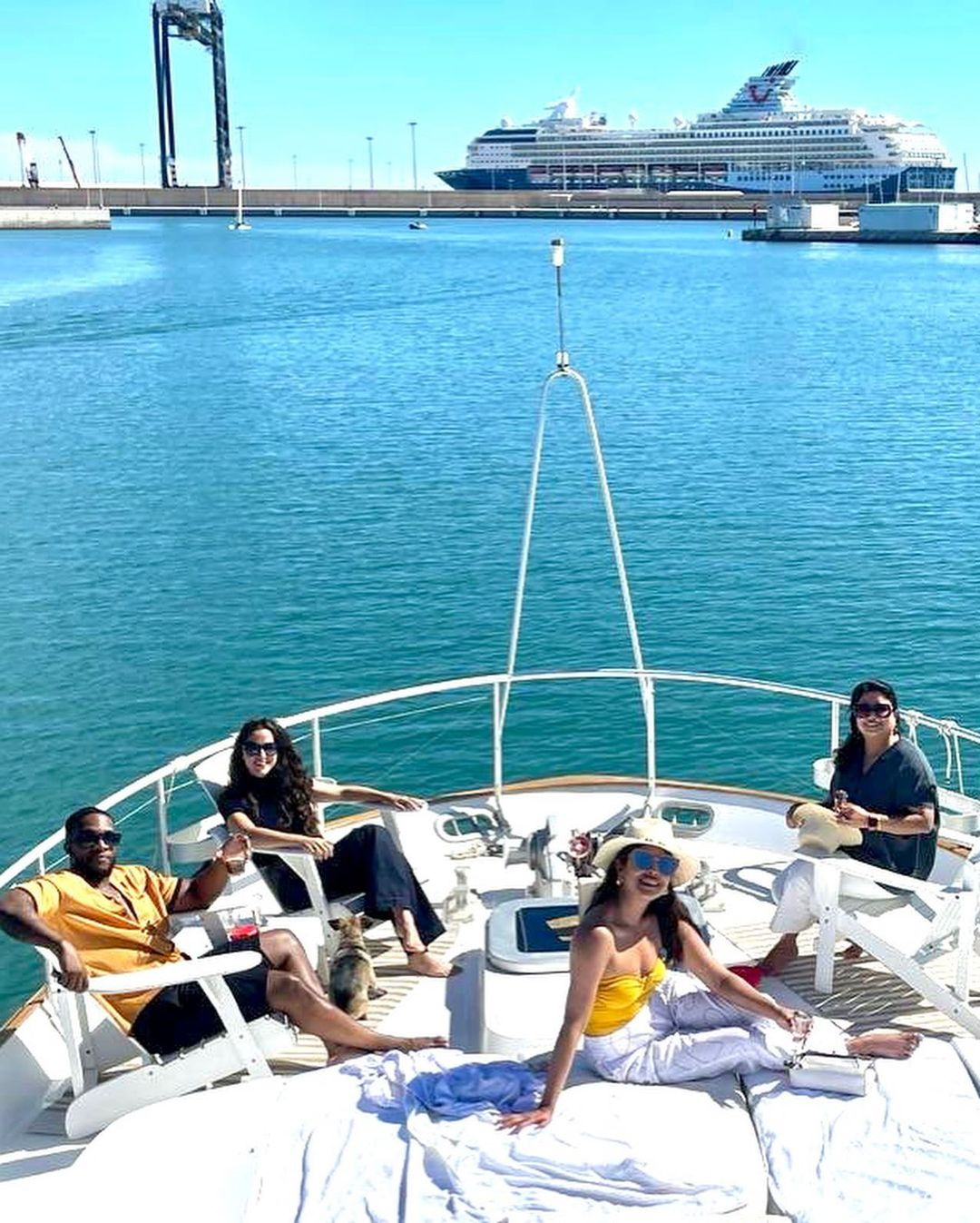 Priyanka Chopra est sur un bateau! - Photo 4